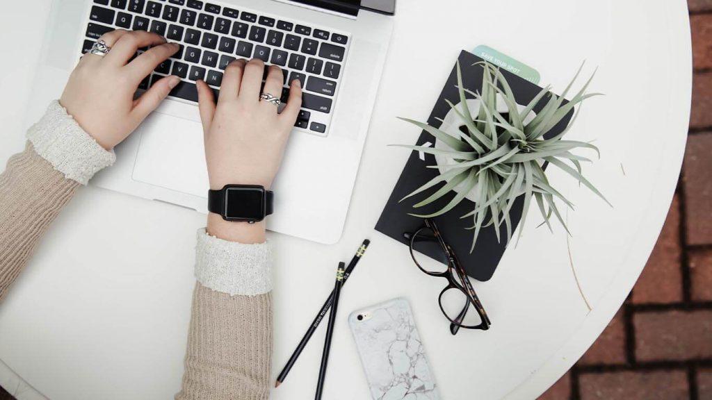 pisanie bloga i sprawdzanie pisowni